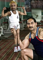 world-smallest-body-builder.jpg